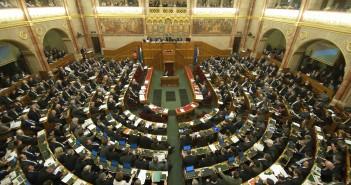 parlament_omvk