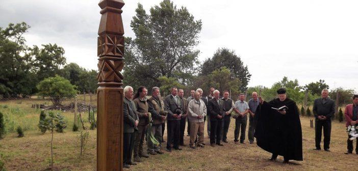 Hetényen felavatták az elhunyt vadászok emlékfáját