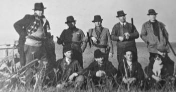 A békásmegyeri vadásztársaság tagjai 1935 körül – illusztráció
