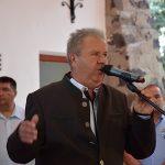 Maczó László, Bér polgármestere üdvözli a közönséget
